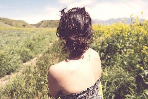 Фото девушек брюнеток вид сзади на аву